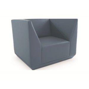 Кресло на деревянном каркасе AК-679